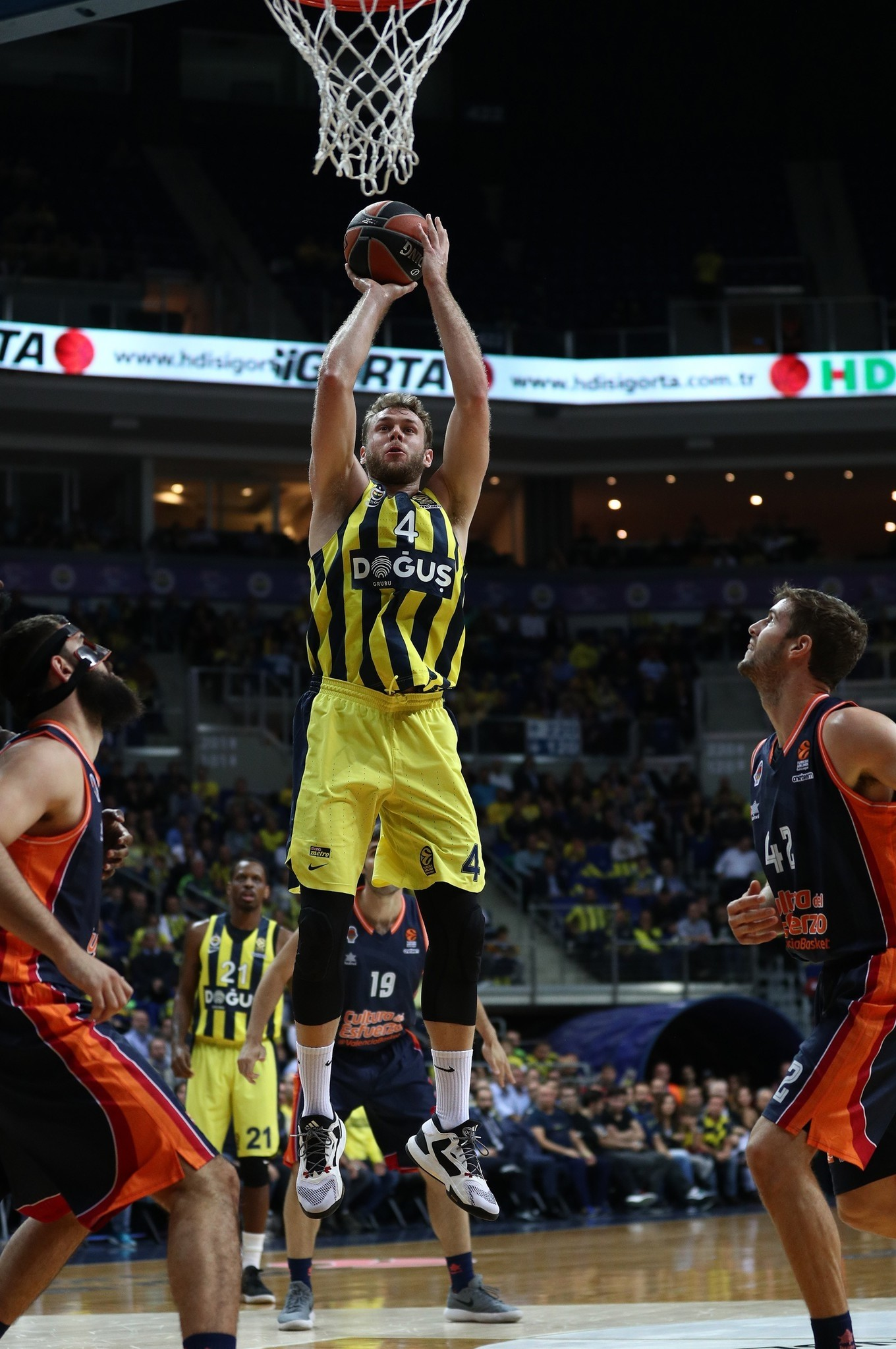The game will be a homecoming of sorts for All-EuroLeague forward Nicolo Melli (below), who the past two seasons in Bamberg.