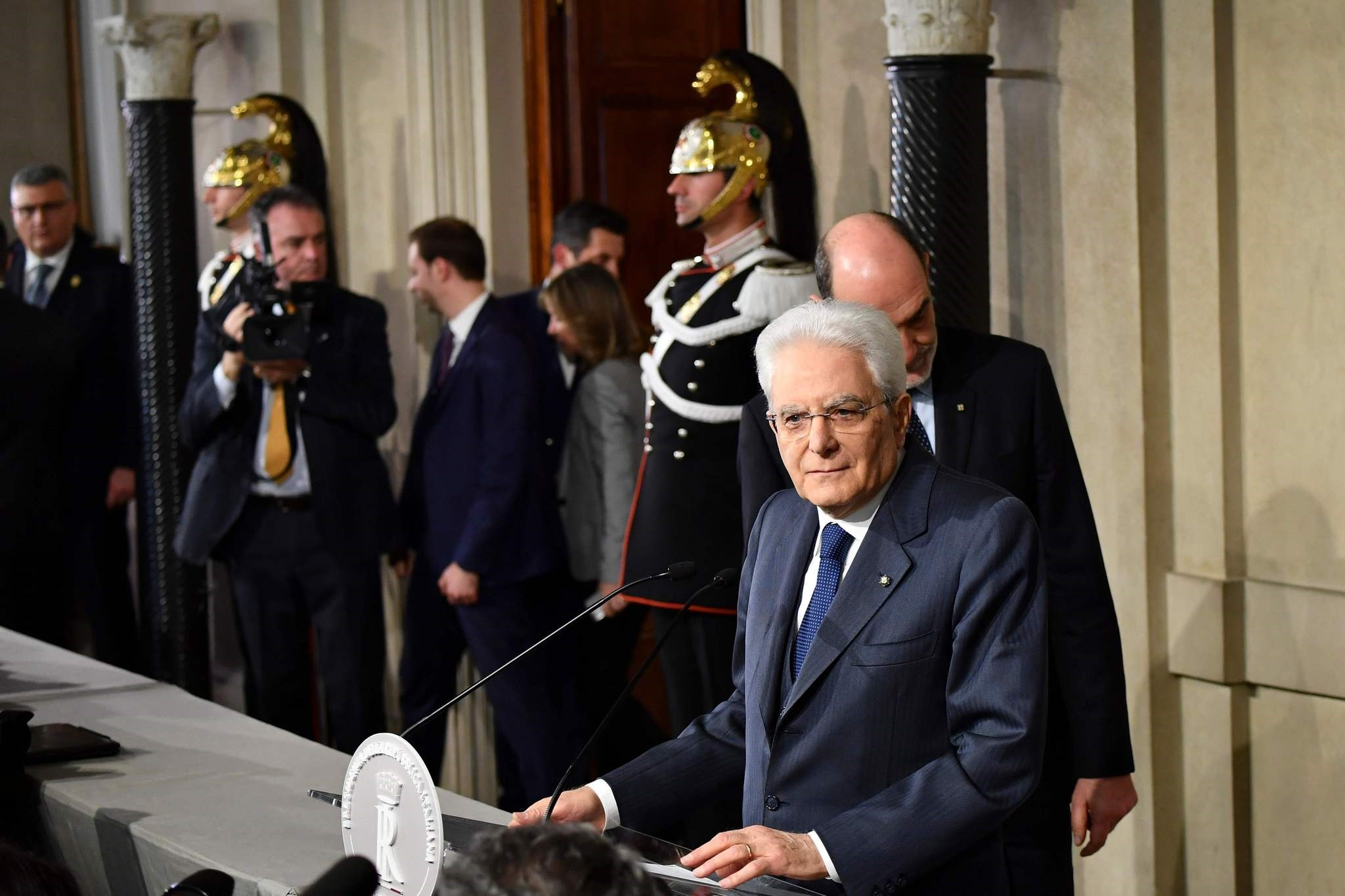 Italian President Sergio Mattarella addresses journalists on the second day of consultations of political parties, on April 5, 2018 at the Quirinale palace in Rome. Mattarella said no government accord was found and will lead new talks next week. (AF