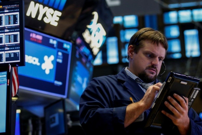 A trader works on the floor of the New York Stock Exchange (NYSE) in New York, U.S., September 8, 2017. (Reuters Photo)