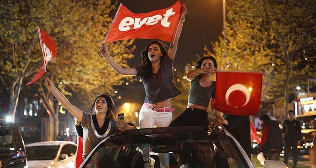 turkey-votes-yes-for-constitutional-changes-with-98-pct-of-ballots-opened-1492373522497.jpg