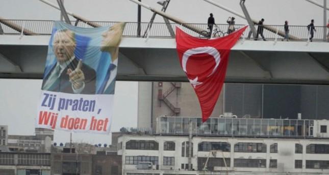 أتراك برلين ولندن ونيويورك وبروكسل وباريس وتورنتو ينظمون فعاليات احتفالا بالفوز