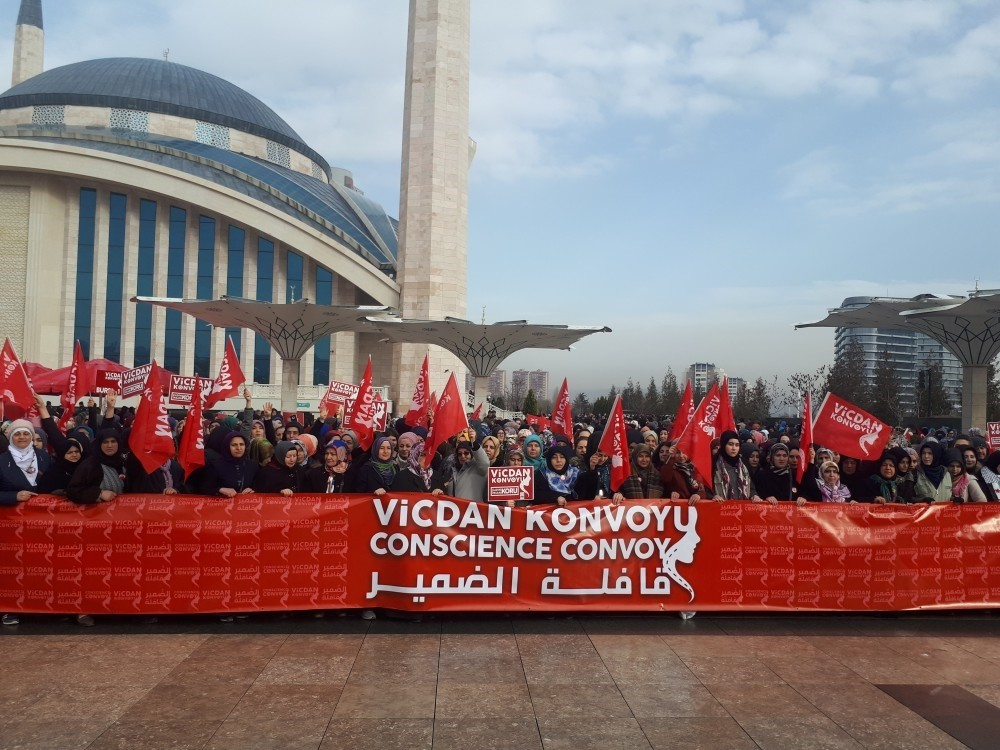 Women in convoy held a press briefing in front of Ankara's Ahmet Hamdi Akseki Mosque before they left for the border town of Hatay yesterday.