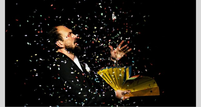 "Kubilay Tuncer will perform interactive, magic and comic shows in his ""Magic Sessions."""