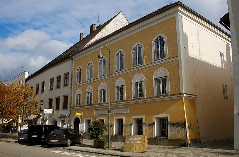 The house in which Adolf Hitler was born is seen in Braunau am Inn, Austria, October 22, 2016. (Reuters Photo)