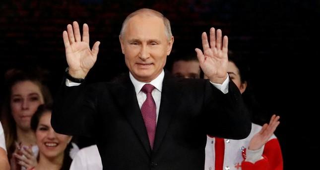 بوتين يعلن ترشحه لانتخابات الرئاسة الروسية المقررة مارس المقبل