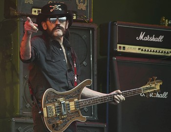 his June 26, 2015 file photo shows Motorhead bassist Lemmy Kilmister performing on the Pyramid stage during Glastonbury Music Festival at Worthy Farm, Glastonbury (AP Photo)
