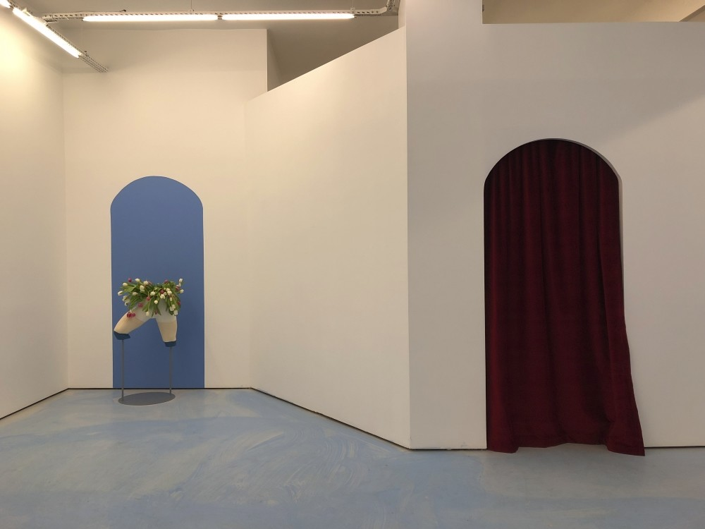 The Pill in Balat transformed into a discreet baby blue atmosphere for ,Memories of a solitary cruise, by Soufiane Ababri, on display until Feb. 23.