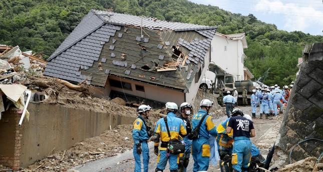 الحصيلة المؤقتة لضحايا الأمطار الغزيرة في اليابان ترتفع إلى 100 قتيل