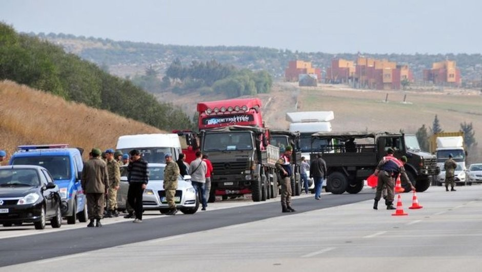 On Jan. 19, 2014, Mu0130T trucks bound for Syria were stopped and searched by FETu00d6-linked officials and the raid in the city of Adana made headlines as FETu00d6 spread photos of the raid publically, despite national security laws forbidding to do so.