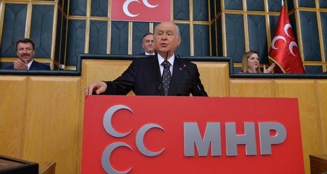 زعيم الحركة القومية يقترح إجراء انتخابات رئاسية وبرلمانية مبكرة في تركيا