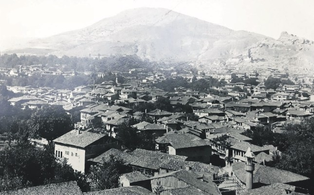 Tokat in the late 1920s. Tokat was damaged by floods many times in the last two centuries until engineer Kemal Aşk rehabilitated the area with extensive urban planning in 1955.