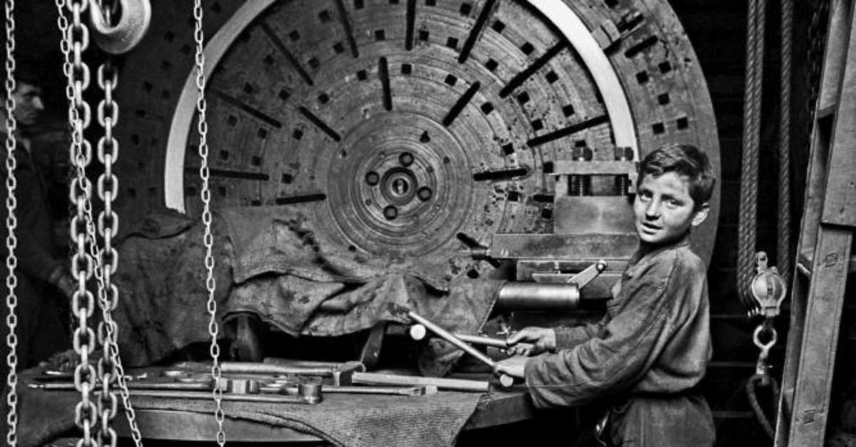 Taken by Ara Gu00fcler, photograph shows a worker boy in Istanbul.
