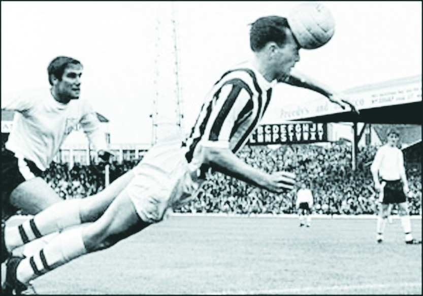 Neuropathologist Willie Stewart said former England player Jeff Astle died aged 59 from chronic traumatic encephalopathy stemming from head injuries after examining the former player's brain.