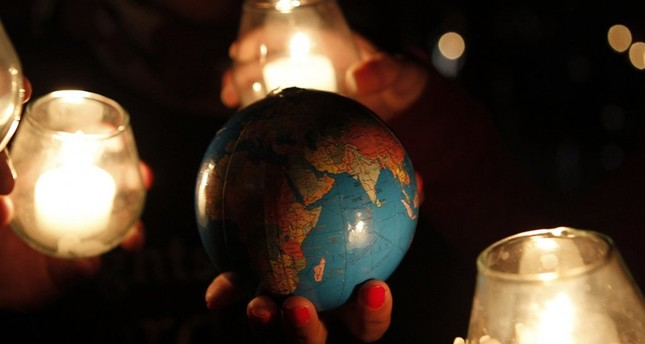 Millions to switch lights off for Earth Hour