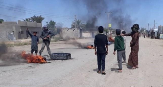 ي ب ك/ بي كا كا الإرهابي يقتل 7 مدنيين شاركوا في مظاهرة ضده  بدير الزور