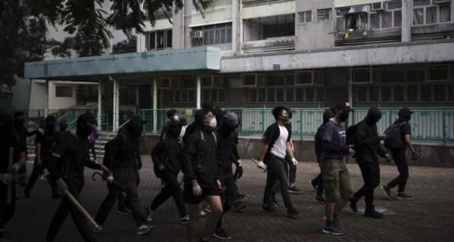 Hong Kong protests shift tactics against police