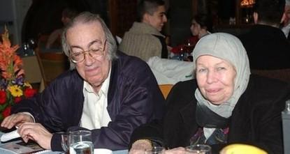 pYousra Osmanoğlu, die Frau von Prinz Dündar Al-i Osman Efendi, der das älteste Mitglied der osmanischen Familie ist, starb am Dienstag in Damaskus im Alter von 91 Jahren wegen...