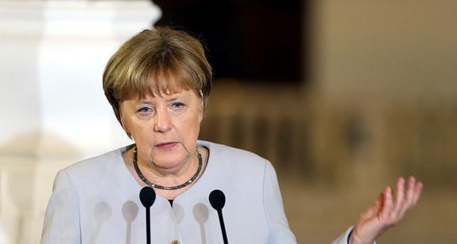 ميركل تدعو لإشراك تركيا وقطر في جهود السلام بليبيا