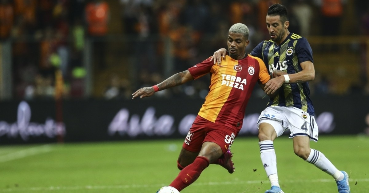 The previous meeting between Galatasaray and Fenerbahu00e7e on Sept. 28 resulted in a goalless draw. (AA Photo)
