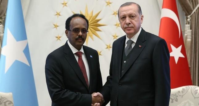 أرشيفية- الرئسي التركي رجب طيب أردوغان أثناء استقباله نظيره الصومالي محمد عبد الله فرماجو (وكالة الأناضول)