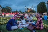 Istanbul joins international 'open iftar' event to foster interfaith dialogue during Ramadan