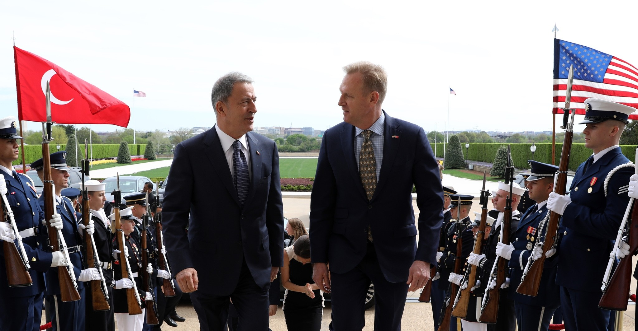 Defense Minister Akar, US counterpart Shanahan discuss S-400, Syria in Washington meeting