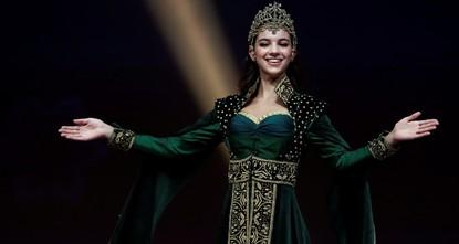 أزياء عثمانية في مسابقة ملكة جمال الكون