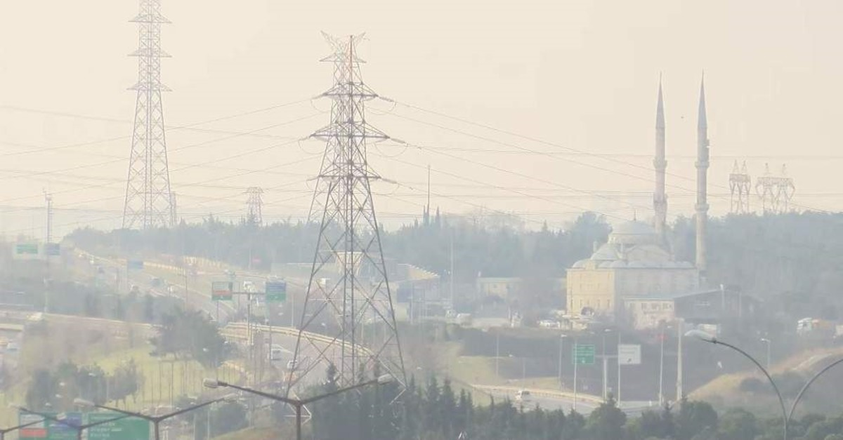 Pollution levels increased in Istanbul on Tuesday. (DHA Photo)