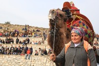 Women carry on Turkish nomadic tradition of camel fighting
