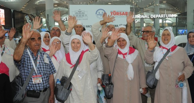 First group of Turkish pilgrims head for hajj - Daily Sabah