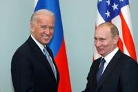 بوتين وبايدن يجريان أول محادثات هاتفية