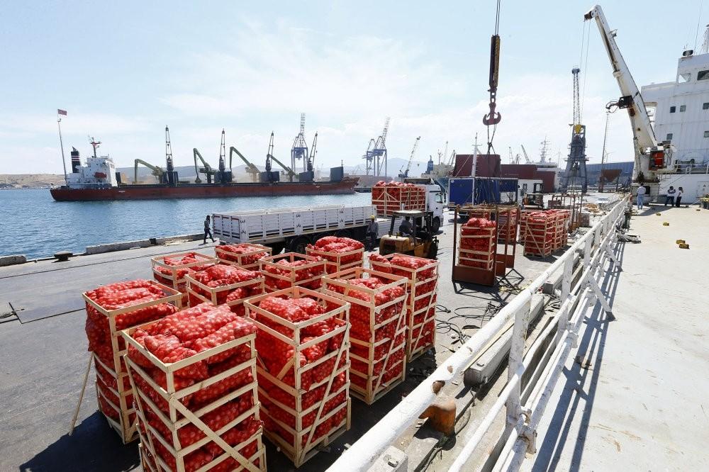 Ships have carried food supplies to Qatar from Aliau011fa port of u0130zmir twice since June.