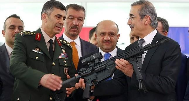 الجيش التركي يتسلم الدفعة الأولى من البندقية الوطنية MPT-76 محلية الصنع