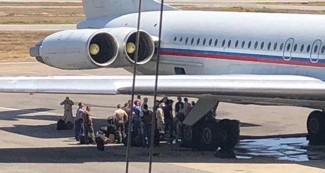 صورة تظهر طائرة روسية في مطار كراكاس (IHA)