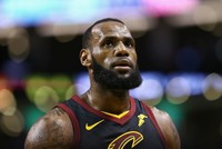 LeBron James agrees to sign 4-year, $154M contract with LA Lakers