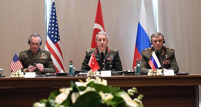 اجتماع ثلاثي لرؤساء أركان تركيا وأمريكا وروسيا في أنطاليا جنوبي تركيا