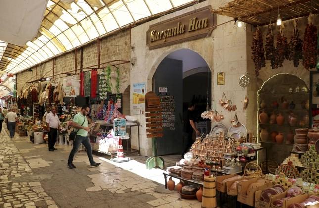 Kurşunlu Inn in the bazaar was built in the 17th century.