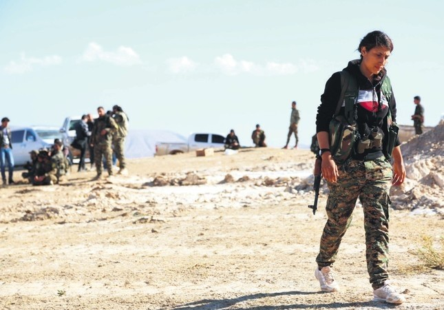 YPG, YPJ and other terrorist organizations gather in al-Hol Syria, some 650 kilometers northeast of Damascus, near the Iraqi border, Nov. 2, 2015. (File Photo)