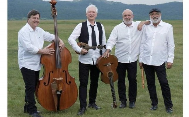The Kalaka ensemble performs their unique music with classical and folk instruments.