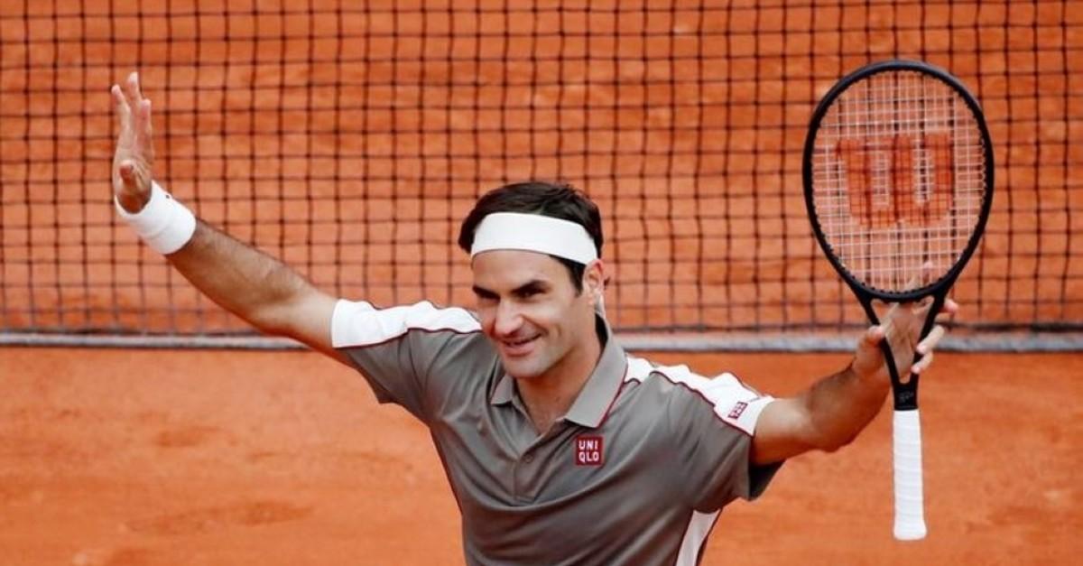 Federer celebrates winning a match at Roland Garros, Paris, May 26, 2019. (Reuters Photo)