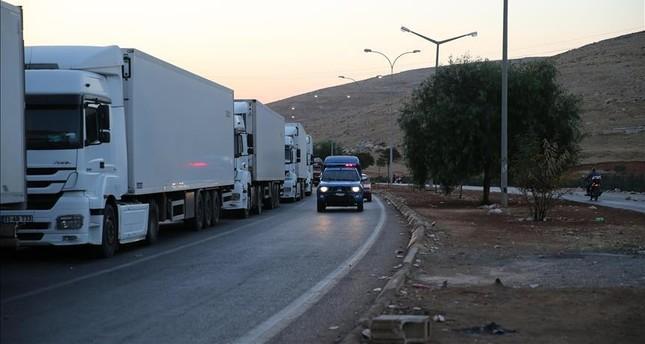 16 شاحنة مساعدات أممية تدخل الأراضي السورية عبر تركيا