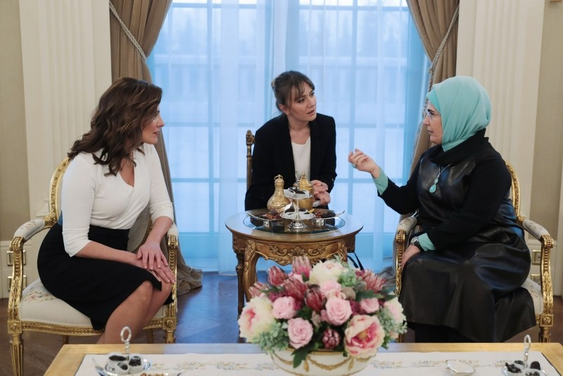 A handout photo released by the President's press office on Feb. 5, 2019 shows First lady Emine Erdou011fan (R) meeting with the Greek prime minister's partner, Betty Batziana, in Ankara. (AFP Photo)