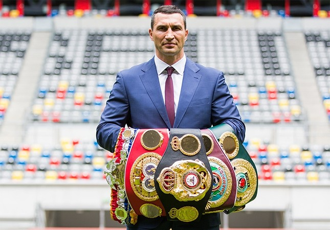 Ukranian WBA, WBO, IBO and IBF heavyweight world champion boxer Wladimir Klitschko, poses with his belts at the Esprit Arena in Duesseldorf, Germany, 21 July 2015. (EPA Photo)