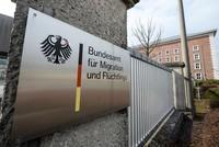 Die Bearbeitungsdauer für Asylanträge in Deutschland hat sich einem Bericht zufolge auf im Durchschnitt 10,7 Monate verlängert. Dies sind deutlich mehr als im Jahr 2016, als Asylbewerber...