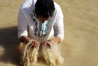 آلاف المسيحيين يتعمدون بنهر الأردن احتفالا بـ عيد الغطاس