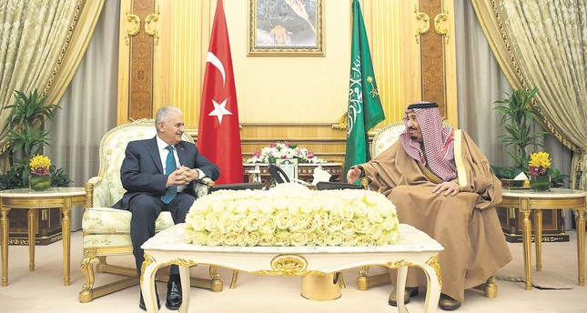 Prime Minister Binali Yıldırım (L) meets with Saudi King Salman, Riyadh, Saudi Arabia, Dec. 27.