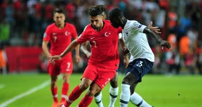 Türkei schockt Frankreich mit 2:0 Sieg