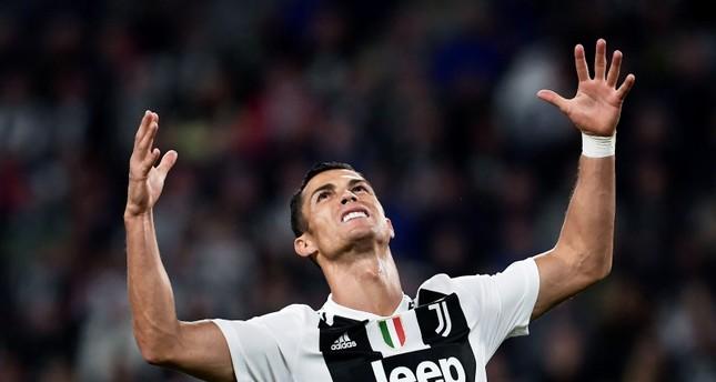 يويفا يوقف رونالدو مباراة واحدة بدوري أبطال أوروبا
