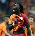 Gomis goals fuel Galatasaray storm