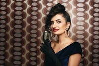 Yaprak Sayar brings fresh breath to Turkish classical music